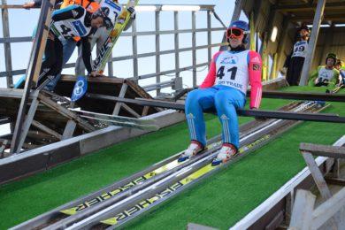 Шоу летающих лыжников на Кавголовских трамплинах