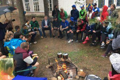 Молодежь района встретилась на берегу Ладоги