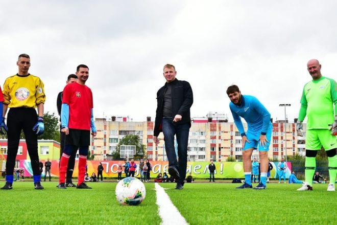 Звезды отечественного спорта оценили новый стадион в Янино-1