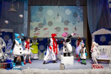 Всеволожские актеры покажут «Приключения Снеговичка» онлайн