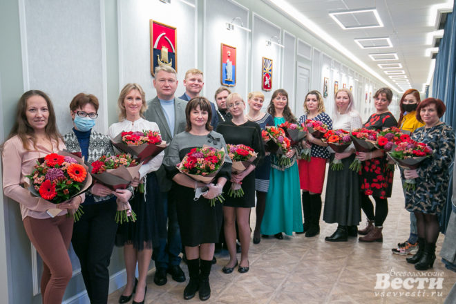 Александр Дрозденко поздравил многодетные семьи